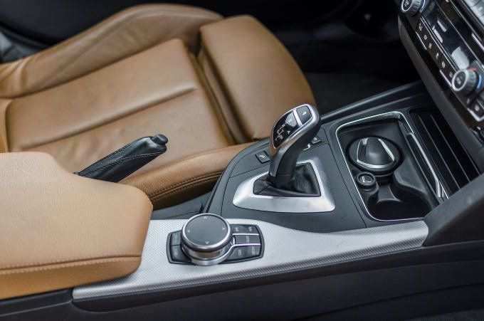 9 Things You Should Never Do to a Car With an Automatic Transmission