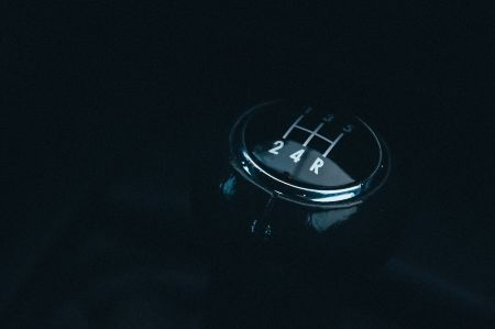 Manual vs Automatic Transmissions: Pros and Cons [Which is Best?]